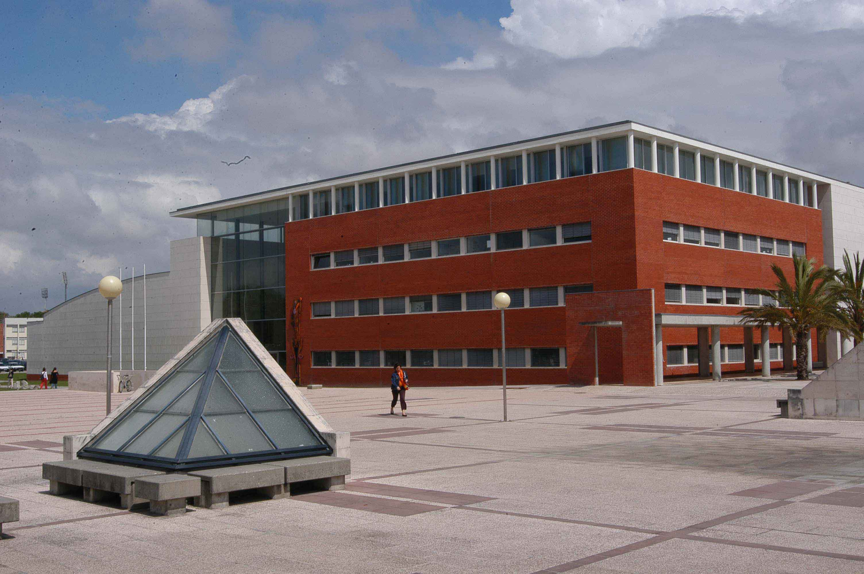 Universidade-de-Aveiro.jpg